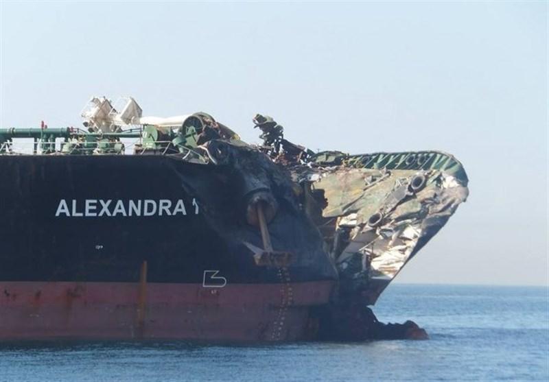 برخورد نفتکش ایرانی با کشتی کانتینری در تنگه سنگاپور