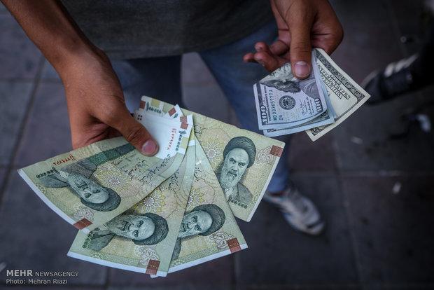 دلار همچنان 4200 تومان، کاهش نرخ یورو و پوند
