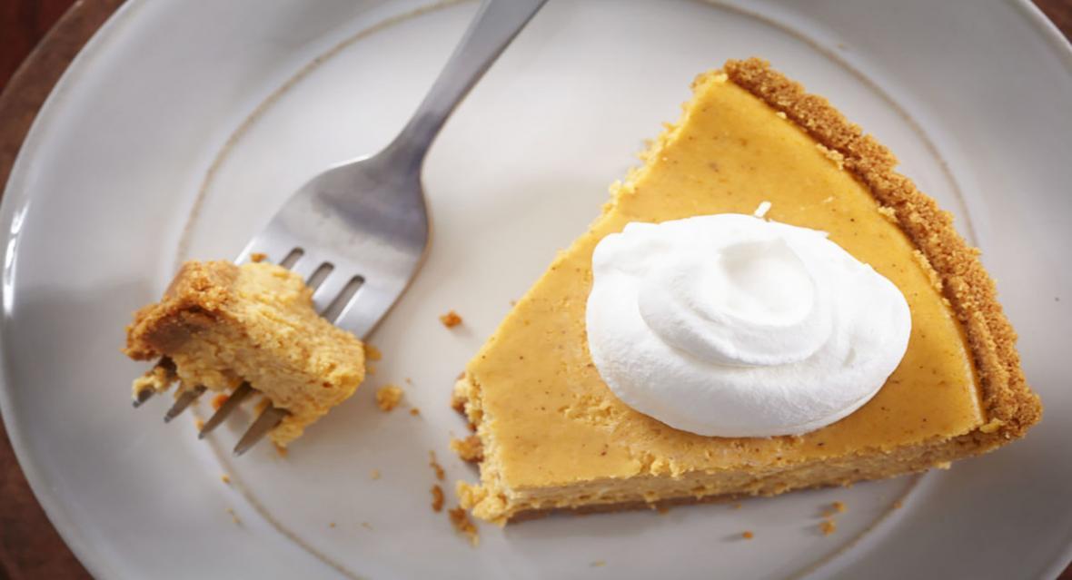 ساده ترین روش تهیه چیز کیک کدو حلوایی خوشمزه