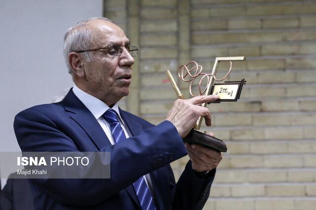 دکتر تومانیان سفیر علمی ایران و ارمنستان است، مشارکت این دانشمند با انجمن ریاضی برای اصلاح کنکور