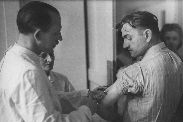 وقتی تیفوس اپیدمیک جان 8 هزار نفر را نجات داد! ، روش جالب پزشکان لهستانی برای فریب آلمان ها! (