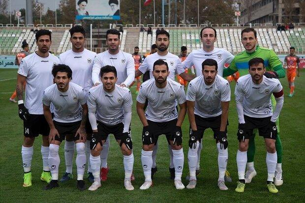 تیم فوتبال شاهین به دنبال سرمربی جدید، شکایت بوشهری ها از میشو