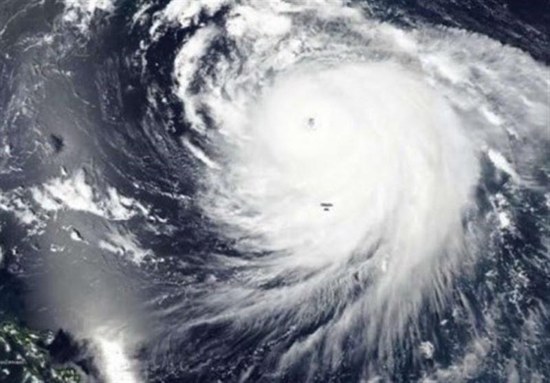 طوفان هایشن فرودگاه و راه آهن کیوشو را تعطیل کرد