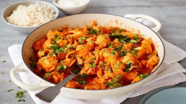 طرز تهیه خوراک هندی دو پیازه مرغ ؛ تند و خوشمزه