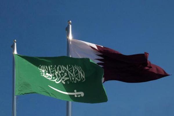 پرچم قطر بر فراز سفارتخانه این کشور در ریاض برافراشته شد