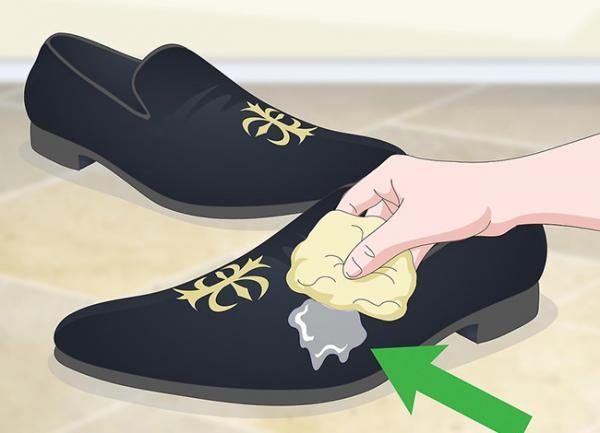 بهترین روش نگهداری و تمیز کردن کفش مخملی