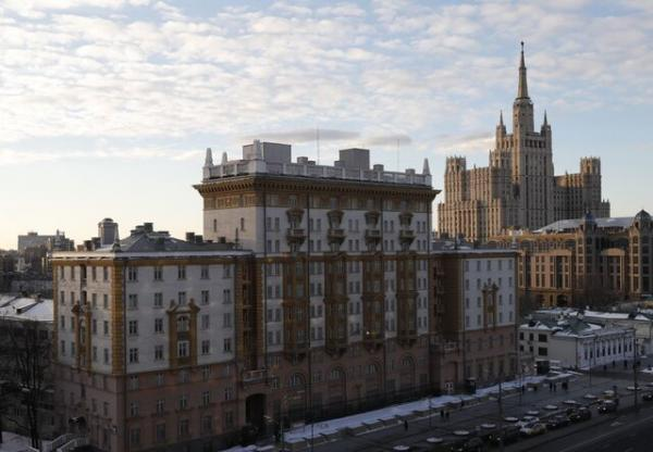 ویزای آمریکا: انتقاد مسکو از اقدامات غیردوستانه آمریکا به دنبال لغو خدمات ویزایی از سوی واشنگتن